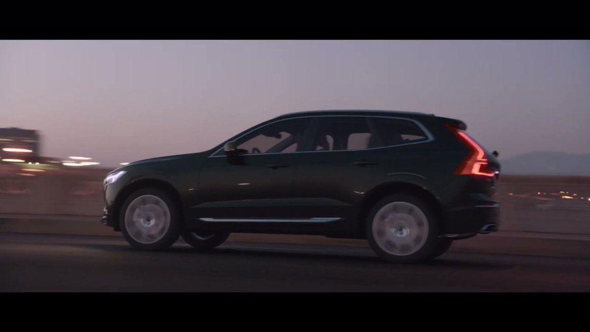 Otomobilin kendi elleriyle geçişi ile resim: teknoloji, renkler